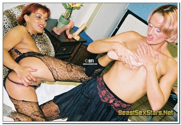 Maike-Marrow-Animal-Sex-Photos-02-1.jpg