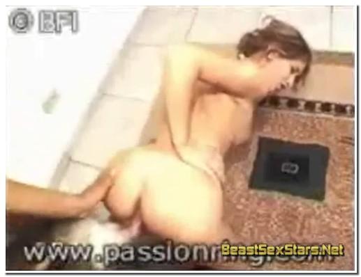 Brazilian ZooSex - Hot Brazilian Girl Fuck With Animals