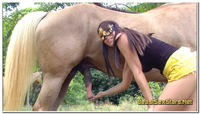 Lise-Aka-Eloa-Lombard-Lise-Loves-Horses-2.jpg