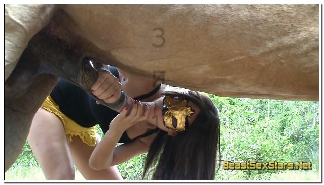 Lise-Aka-Eloa-Lombard-Lise-Loves-Horses-6.jpg