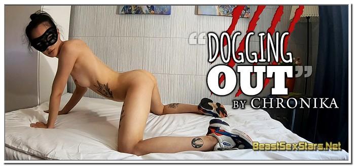 Chronika-Dogging-Out-1.jpg
