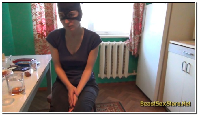 Team-Russia-Petlove-Masked-Girl-And-Dog-1.jpg