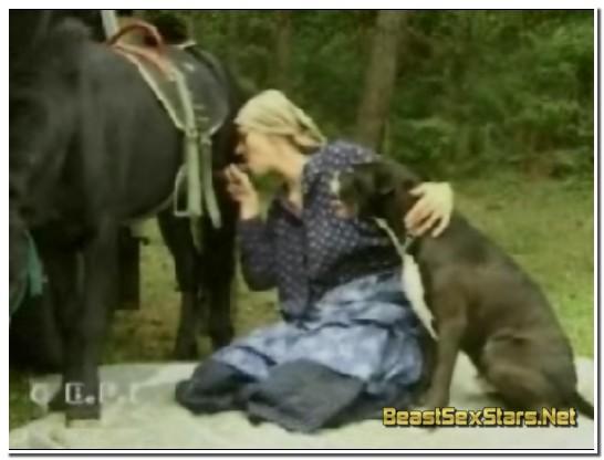 Violett-Pony-and-Puppy-Love-2.jpg