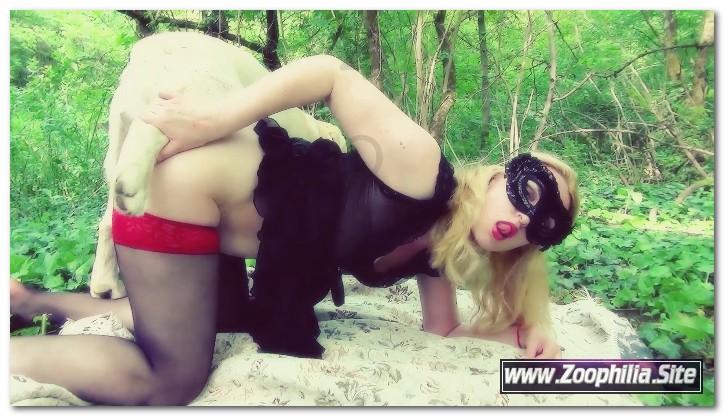 Yasmin - Green Boudoir ⋆ BeastSexStars.Net